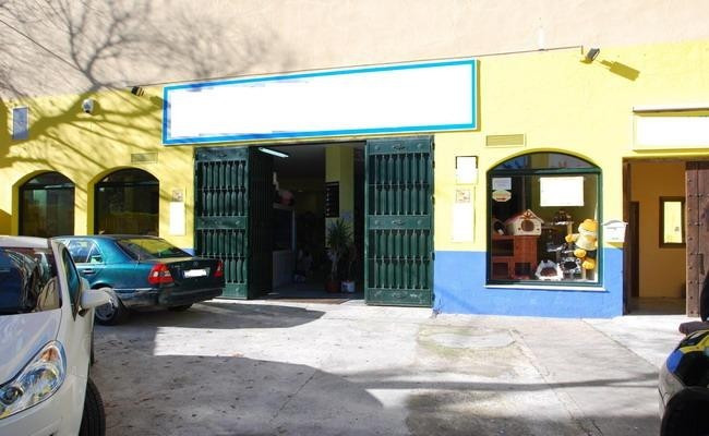 Big corner local of 574 m2 with parking possibilities right in the door. The local is perfectly loca,Spain