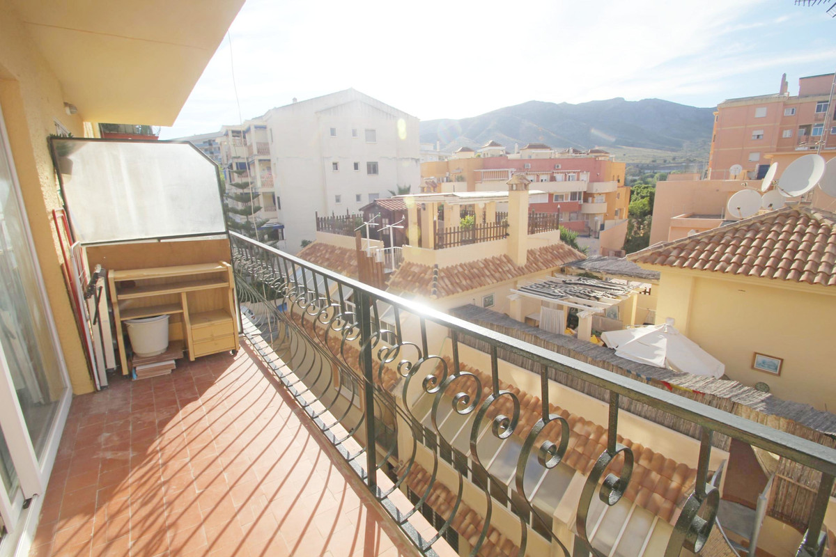 Bargain one bedroom apartment located in Toremolinos centre close to all amenities and about 15 min ,Spain