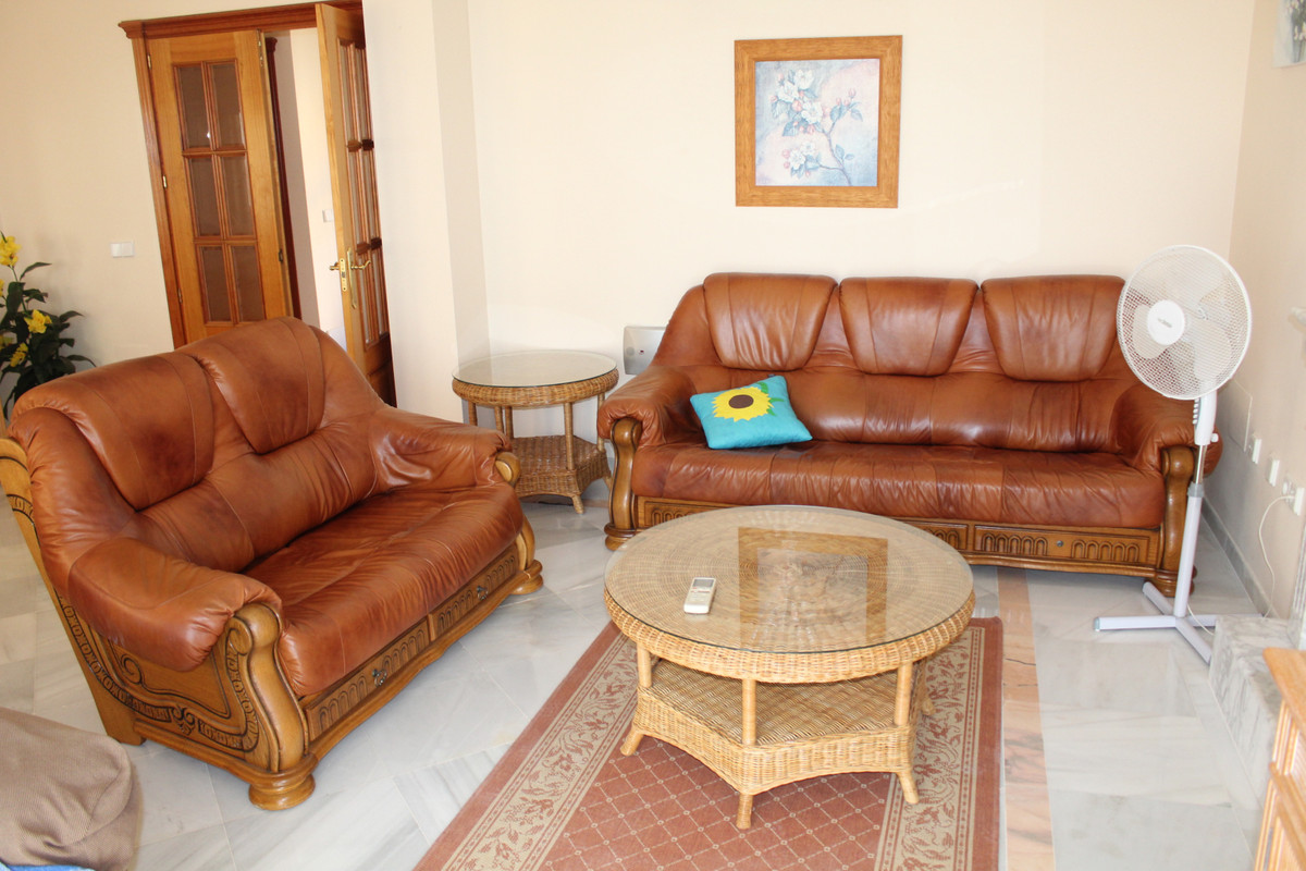 A charming 3 bed 2 bath semi-detached villa with sea views and close to all amenities. In a desirabl,Spain