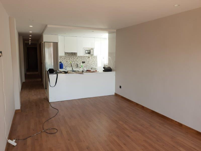 Bright and spacious apartment on 3rd floor fully refurbished. 3 double bedrooms (one with dressing r,Spain
