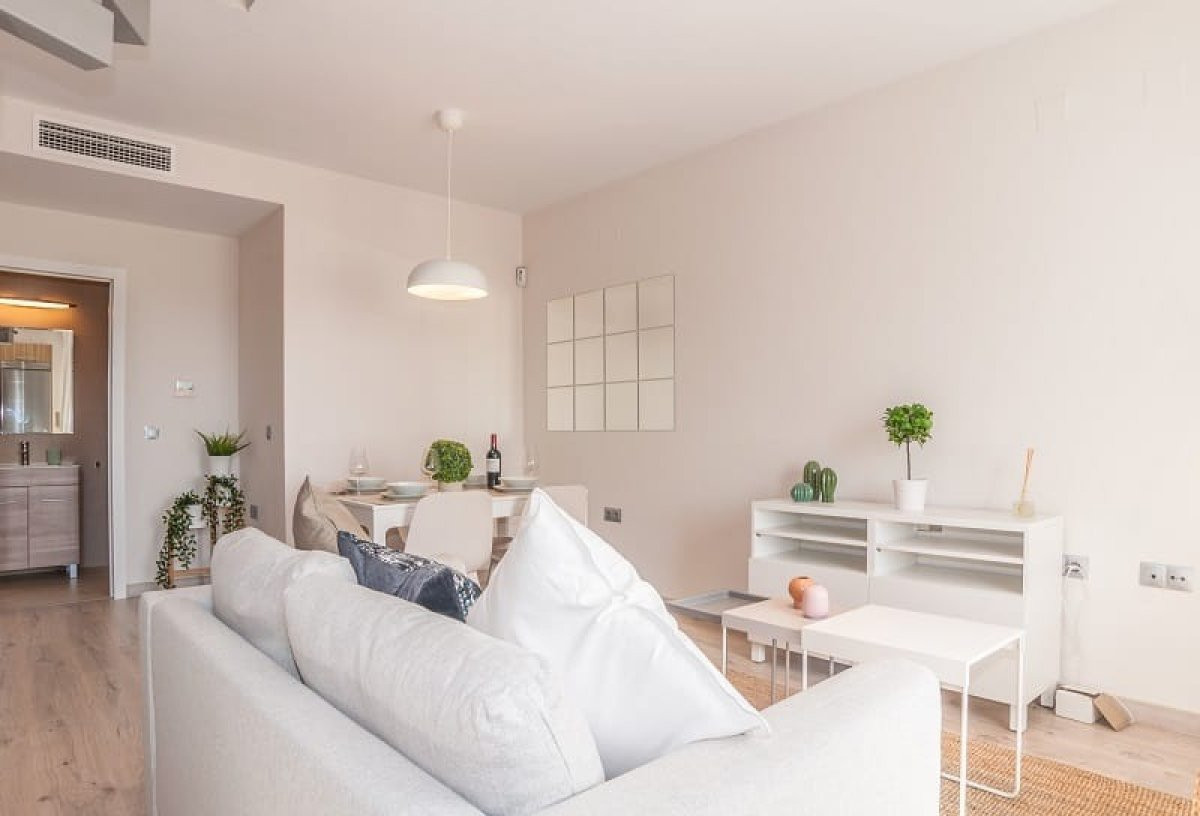 This 34 sq.mts. loft is part of a renovated building with 2 modules where the mixture of modernity a,Spain