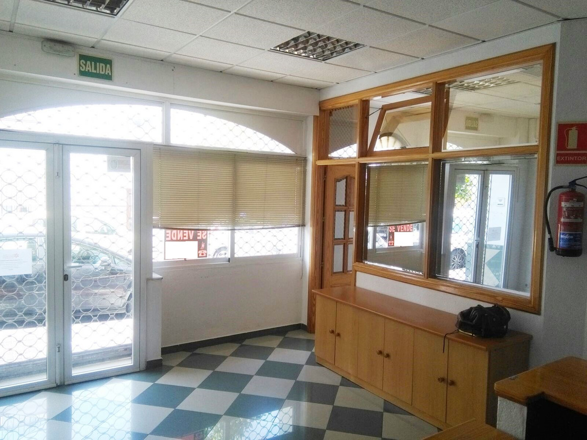 Commercial premise in the centre of Arroyo de la Miel. Located at the ground floor. It has 100 sq.mt,Spain