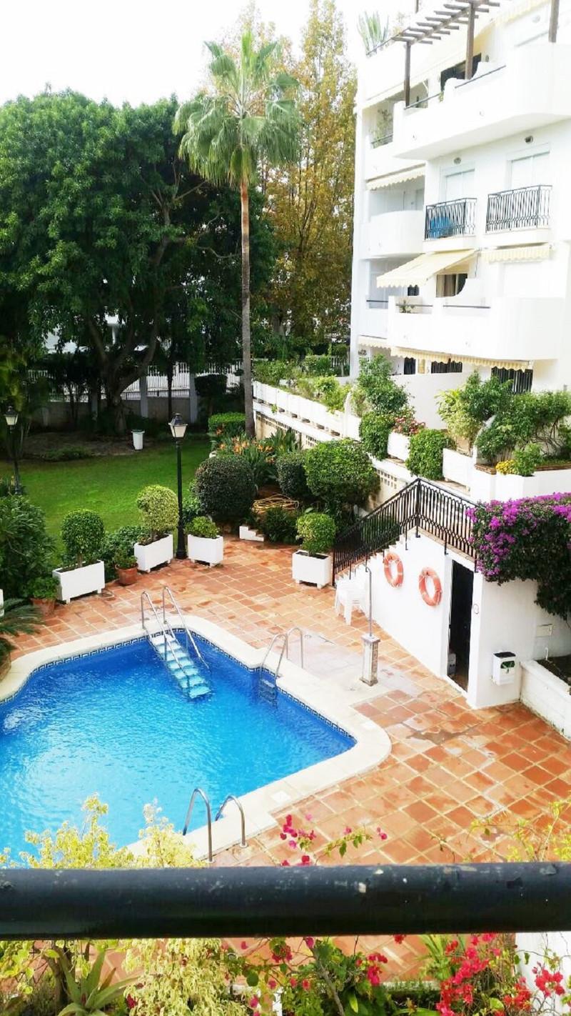 Apartamento Planta Media a la venta, La Carihuela – R3506176