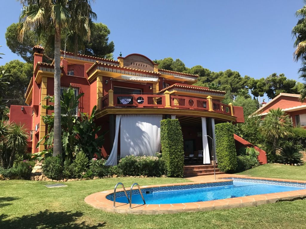 Detached Villa for sale in Torremolinos