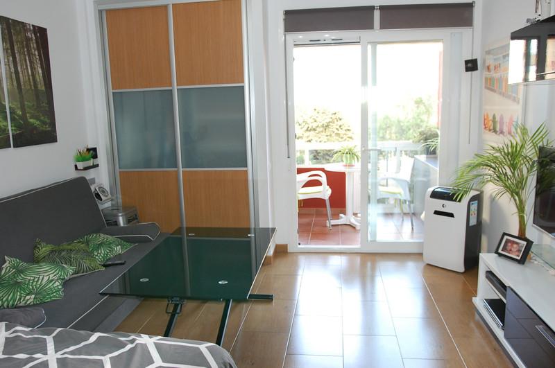 Middle Floor Studio in Benalmadena for sale