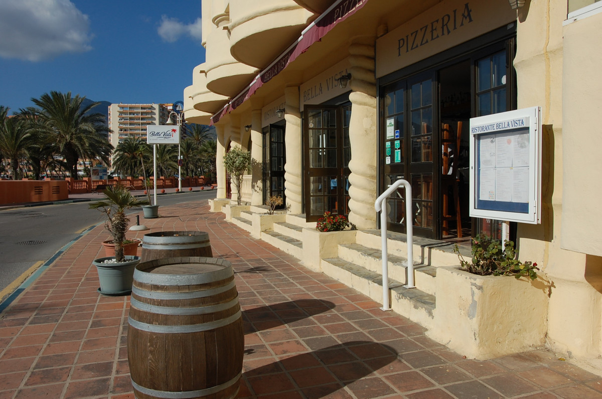 Right in Puerto Marina this Restaurant is currently working. Located at street level, with beach and,Spain