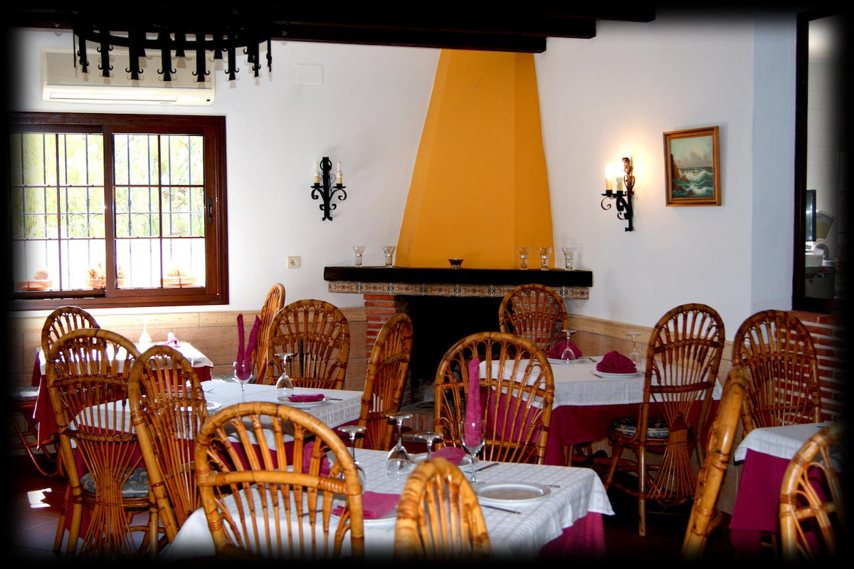 The Venta El Trillo Restaurant, with 280m2 is located in Carratraca and has a seasonal outdoor pool,,Spain