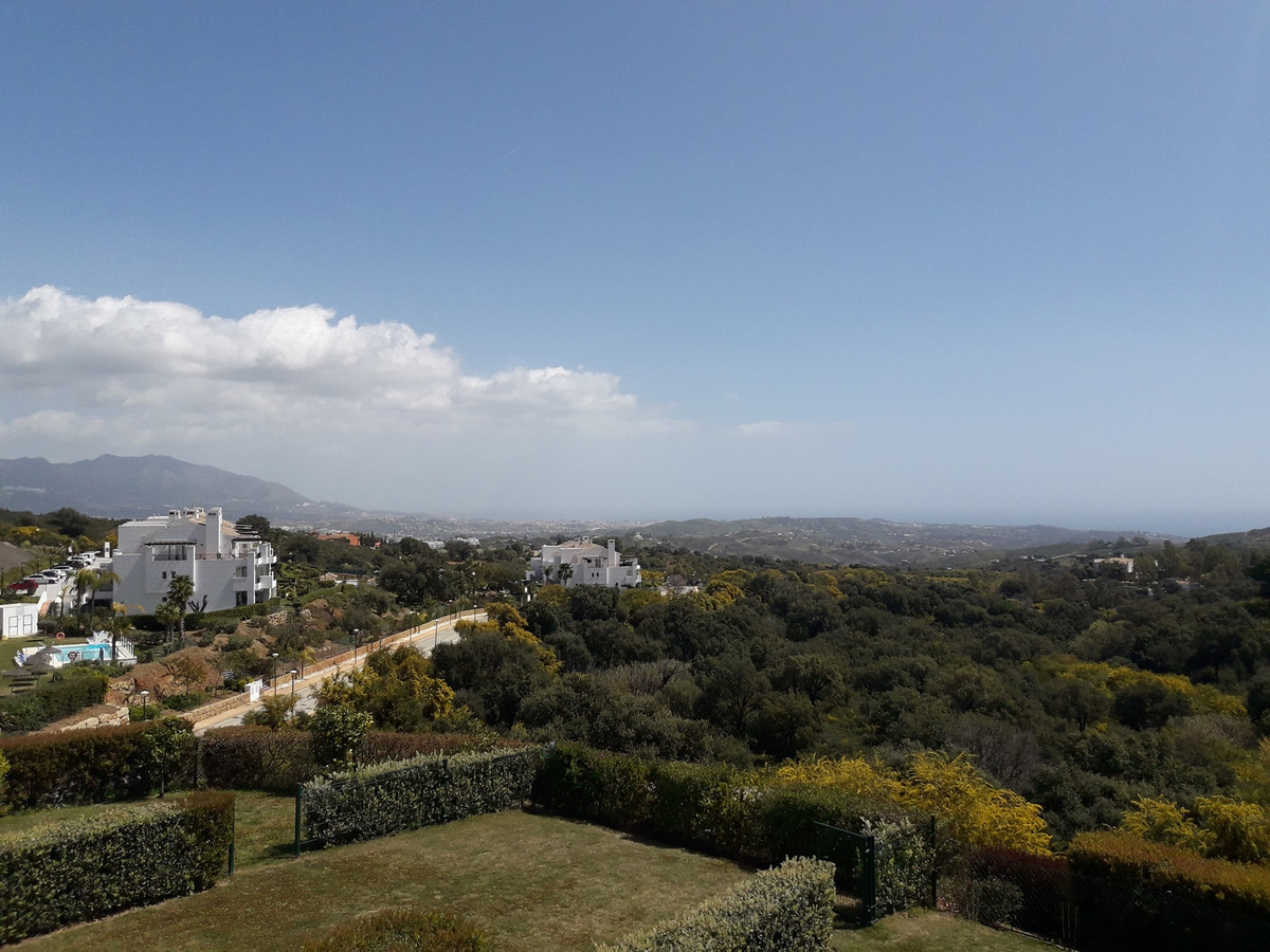 This lovely ultra modern apartment is located in the hills above Elviria in the most beautiful natur, Spain
