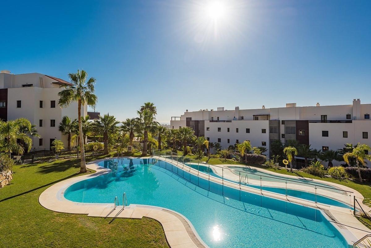 Marbella Banus Apartamento Planta Media en Venta en Benahavís – R3636779
