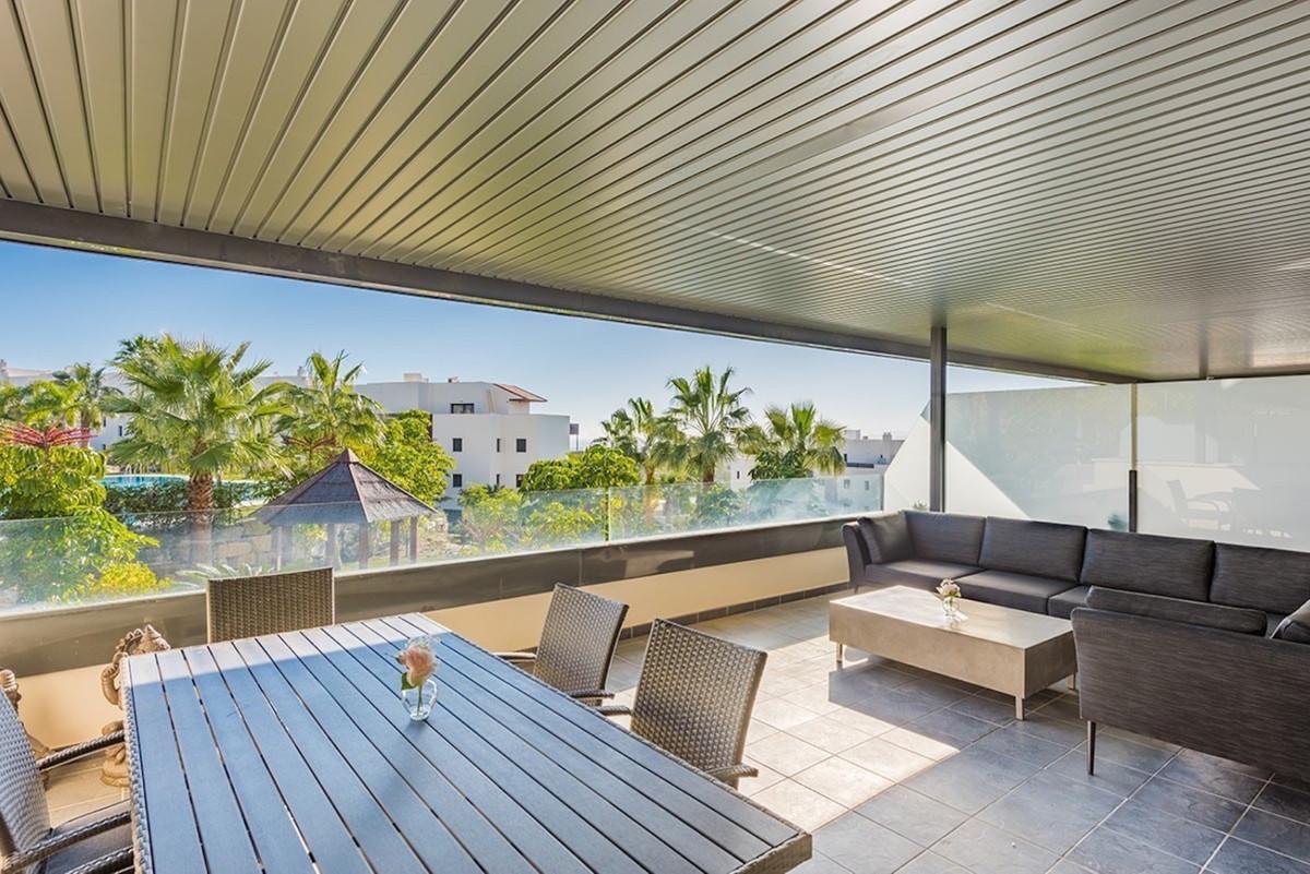 Apartamento Planta Media en Venta en Benahavís – R3636779