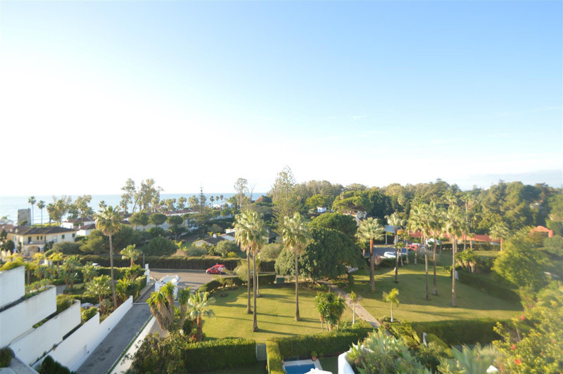 Apartments for sale in Guadalmina 9