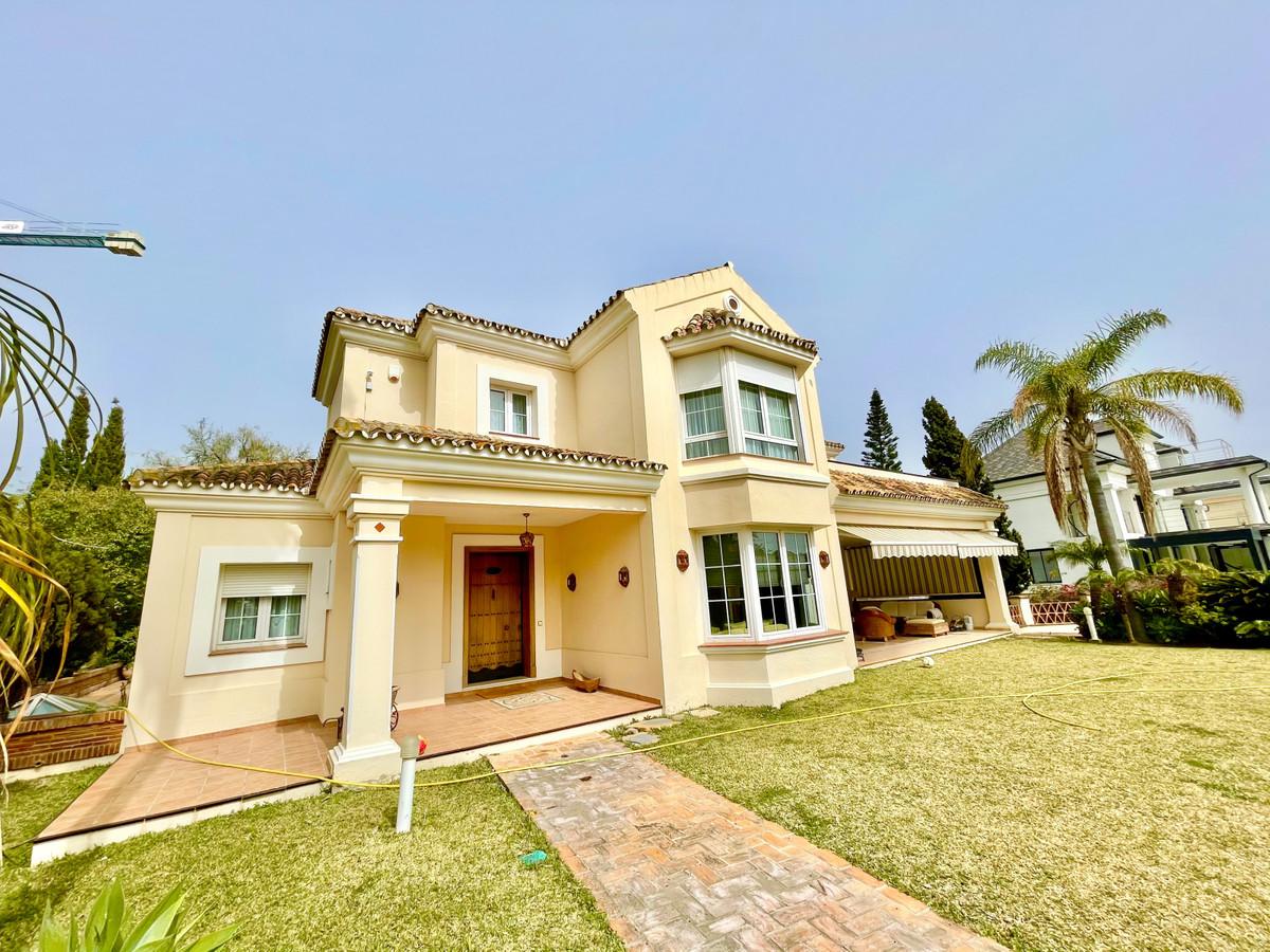 Detached Villa for sale in El Rosario R3847864