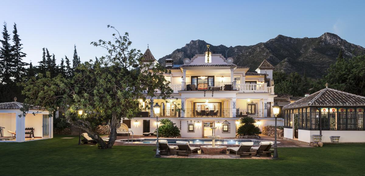 Villa – Chalet en Venta en Sierra Blanca – R3596618