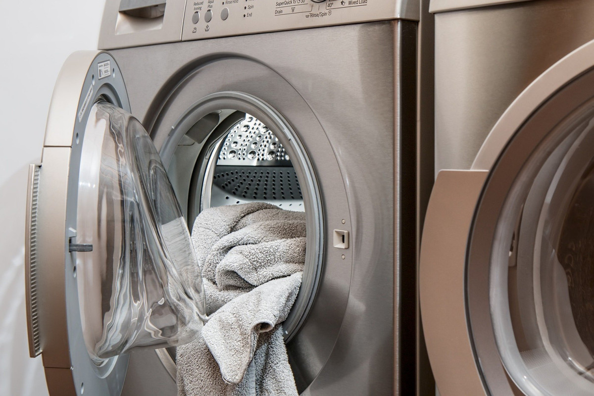 LEASEHOLD OF THE WORKING LAUNDRY BUSINESS IN THE CENTRE OF MARBELLA.  The laundry is located in one ,Spain