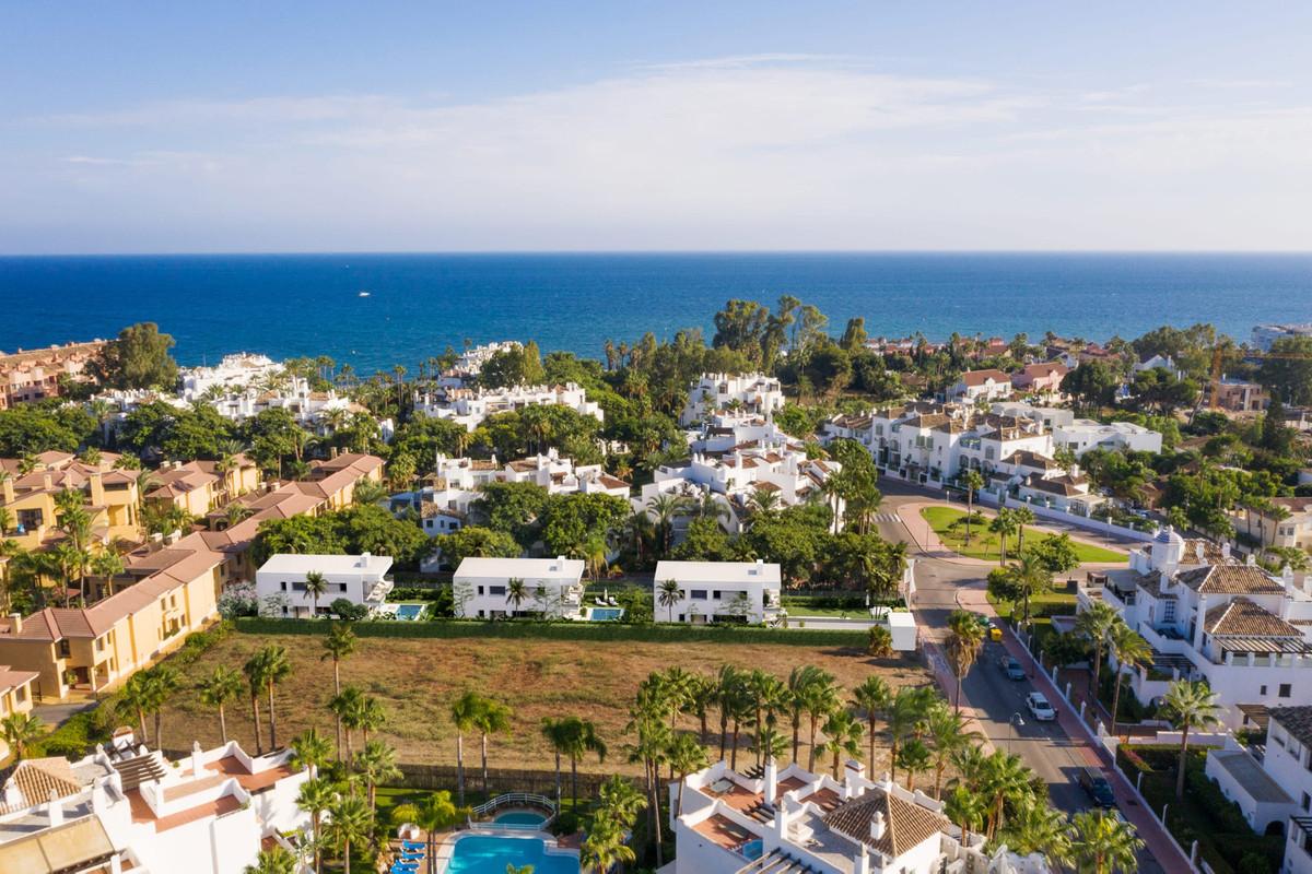 Marbella Banus Villa – Chalet en Venta en Puerto Banús – R3666650