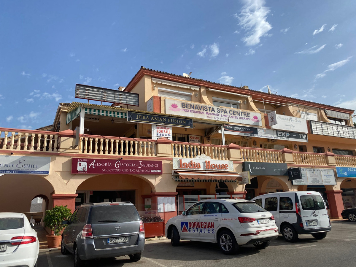 IDEAL INVESTORS RESTAURANT FOR SALE.  NEGOTIABLE PRICE .-  LOCATED IN C.CIAL BENAVISTA. THE PARADISE, Spain