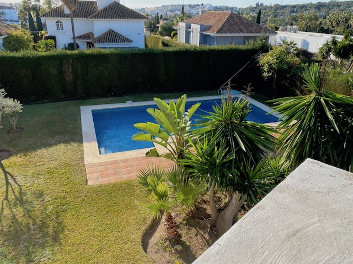 Detached Villa for sale in Nueva Andalucía R3597083