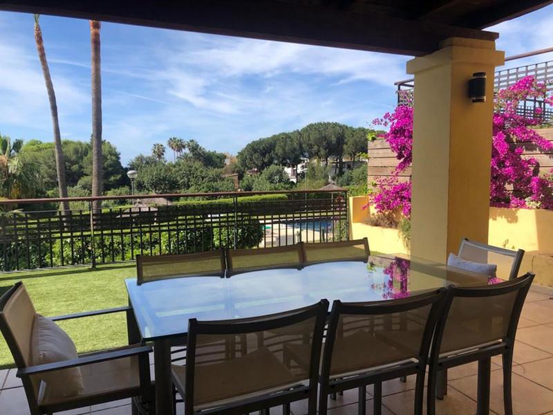 Se vende Apartamento Planta Baja, Sierra Blanca – R3521395