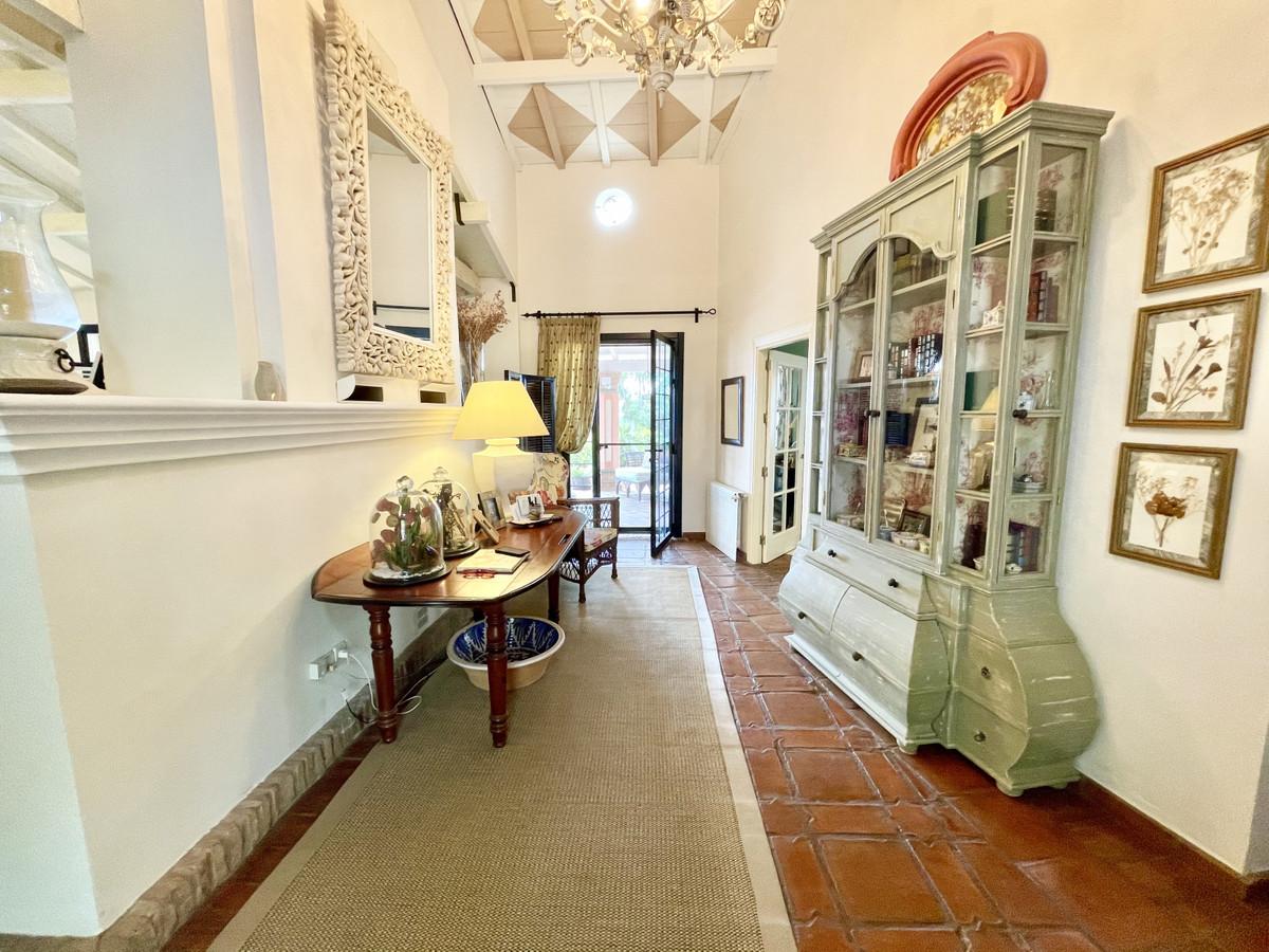 Villa – Chalet en Venta en Benahavís – R3518209