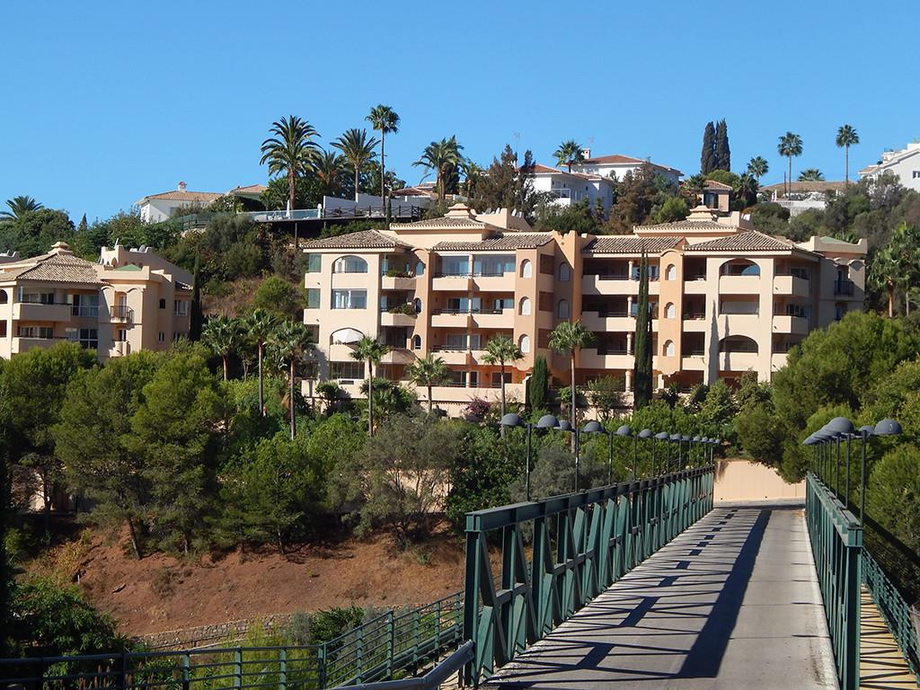 Marbella Banus Apartamento Planta Baja en Venta en Elviria – R3020729