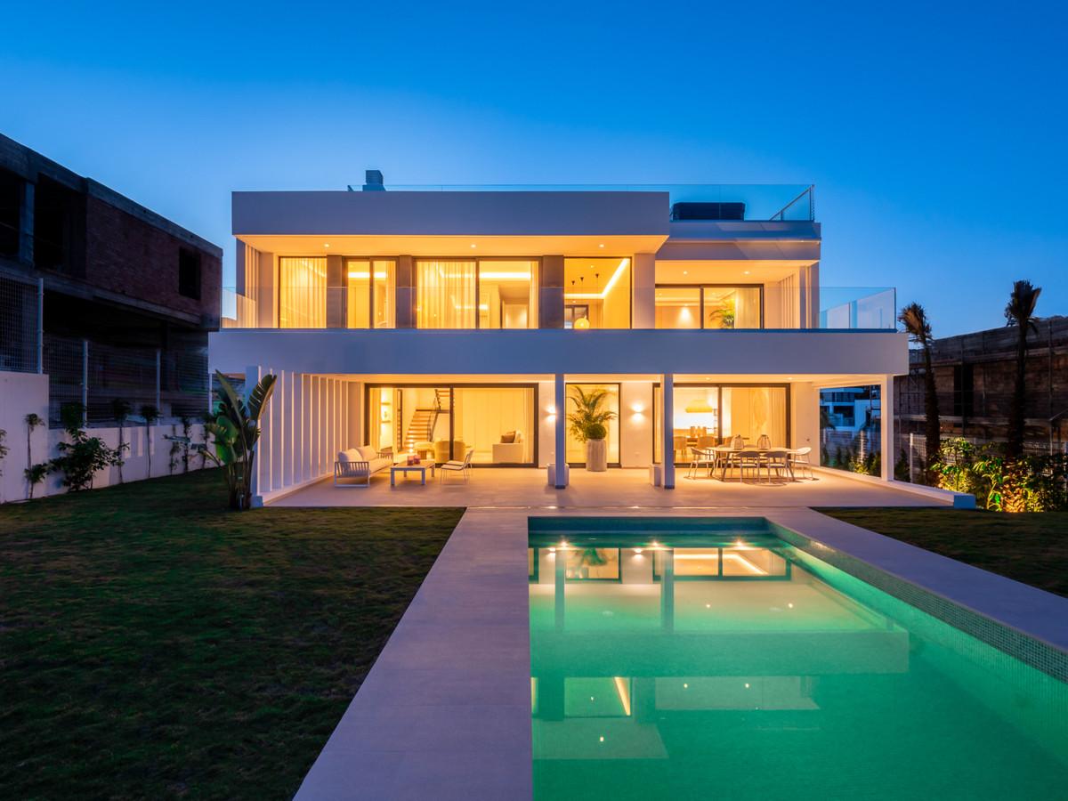 Marbella Banus Villa – Chalet en Venta en Cancelada – R3458797