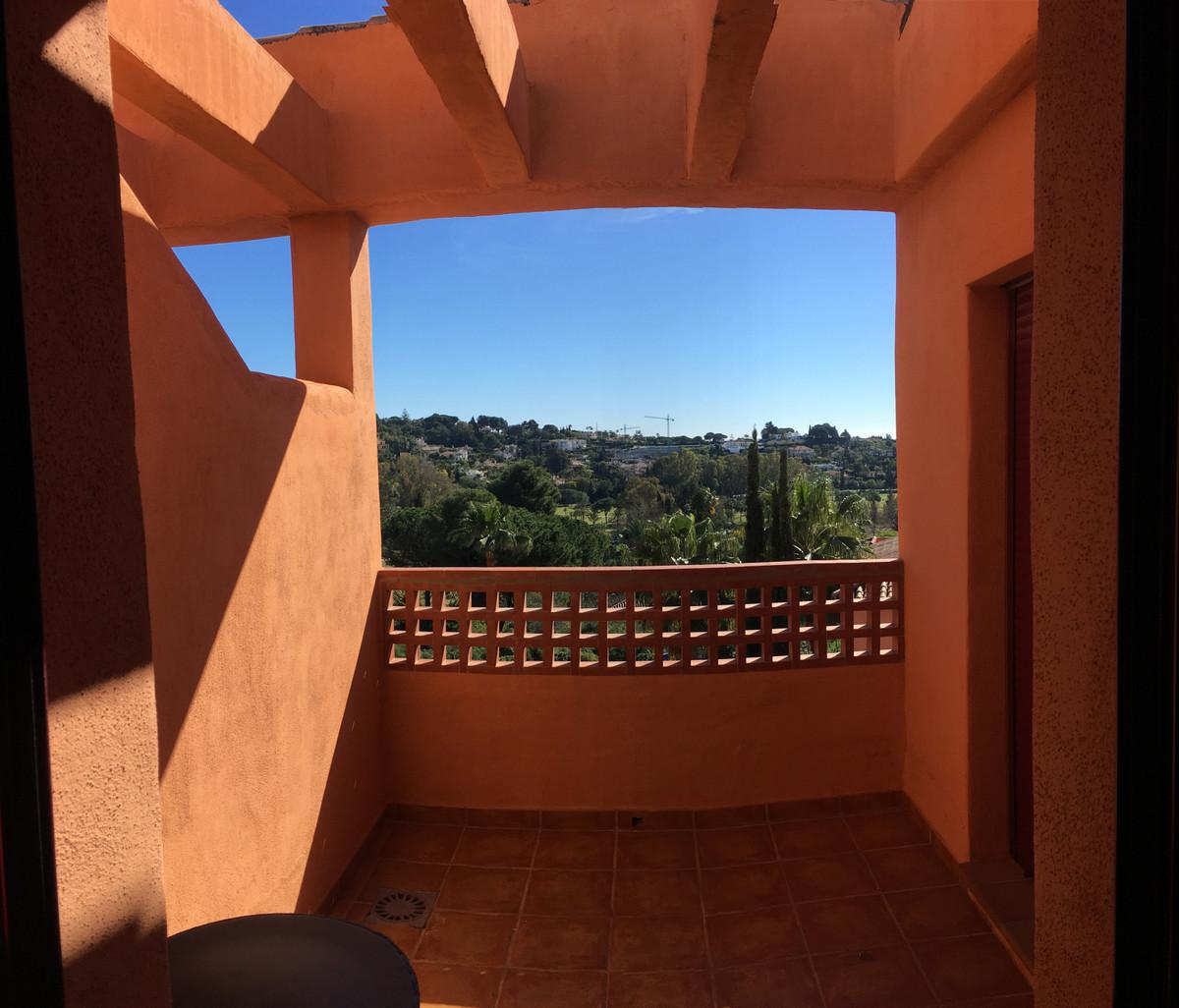 R3850564 | Penthouse in El Paraiso – € 149,900 – 1 beds, 1 baths