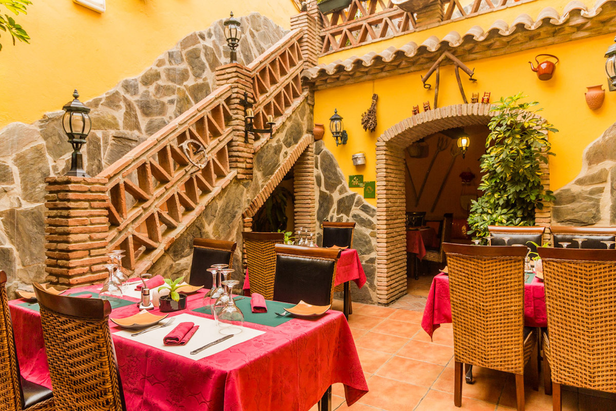 Fantastic restaurant for sale in the old town of Estepona. Rustic and very cozy that can accommodate, Spain