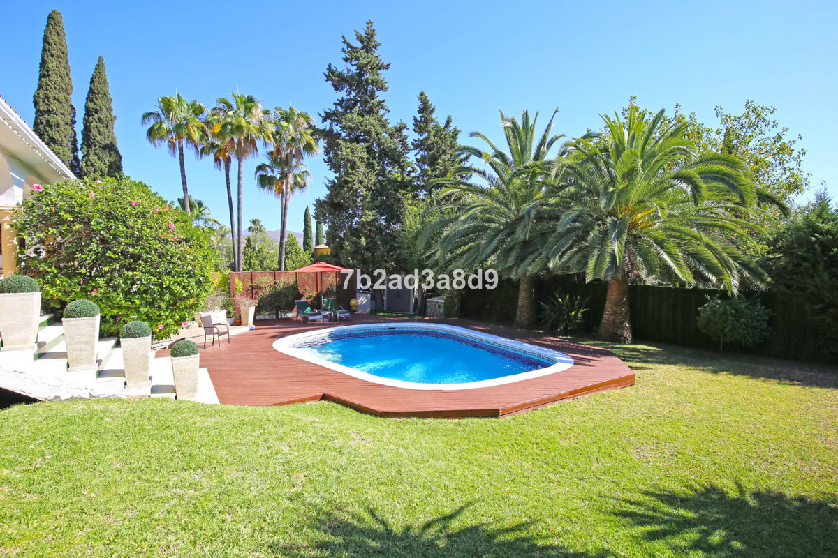 4 Bedroom Detached Villa For Sale Nueva Andalucía