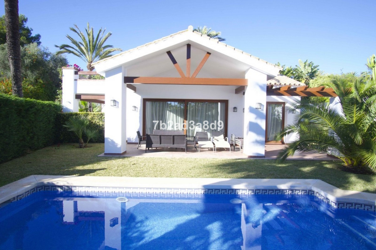 6 bedroom villa for sale marbesa