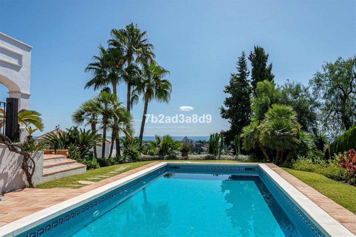 Villa – Chalet en Venta en El Paraiso – R3539563