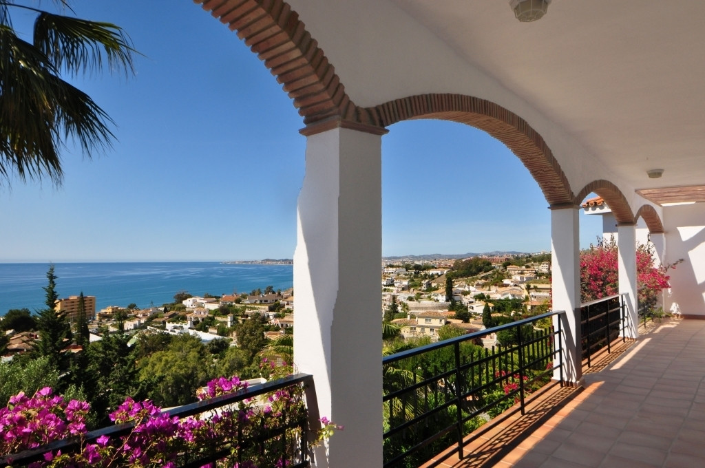Outstanding villa beautifully designed, Andalusian style with luxury finishes. Breathtaking sea view, Spain
