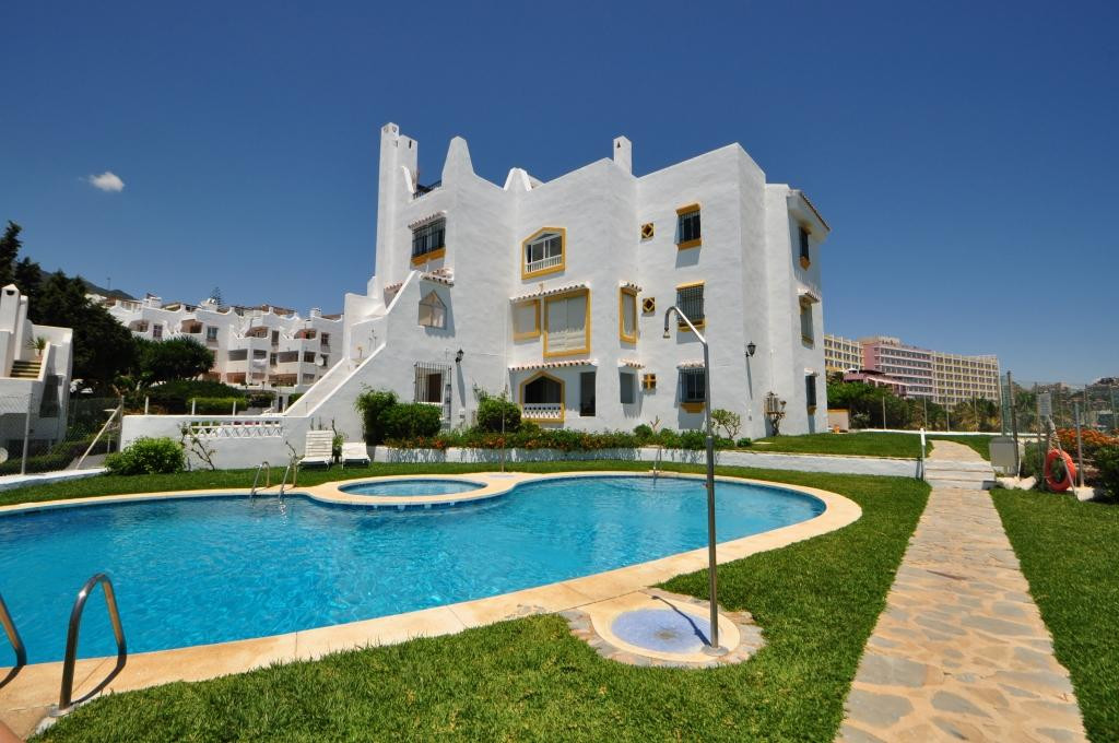 Magnificent apartment for sale in one of the best residential complexes of the well known urbanizati, Spain