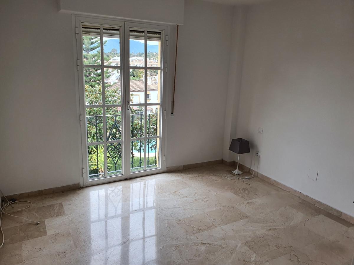Apartamento en Venta en Atalaya – R3772663