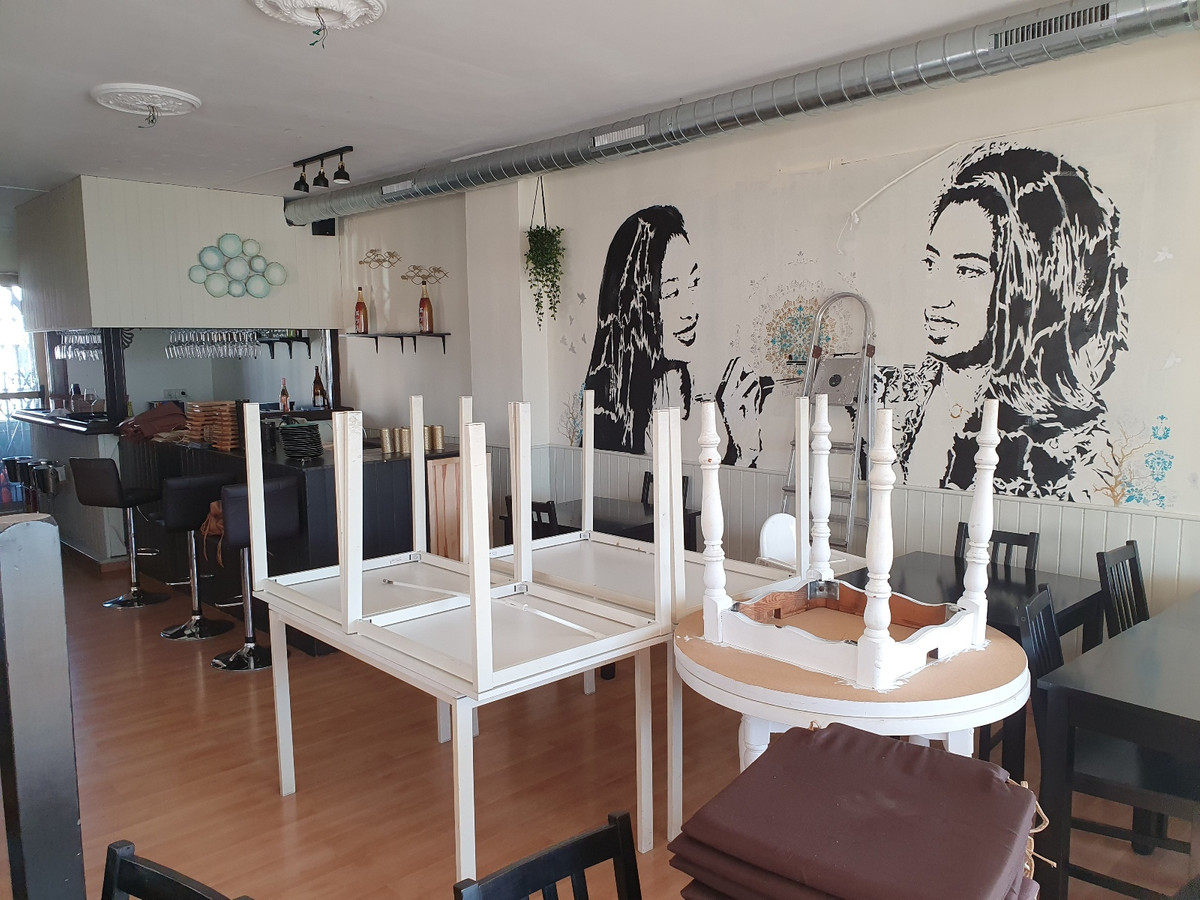 FREEHOLD RESTAURANT For Sale in BENA VISTA COMMERCIAL CENTRE - El PARAISO.  Situated on the First Fl,Spain