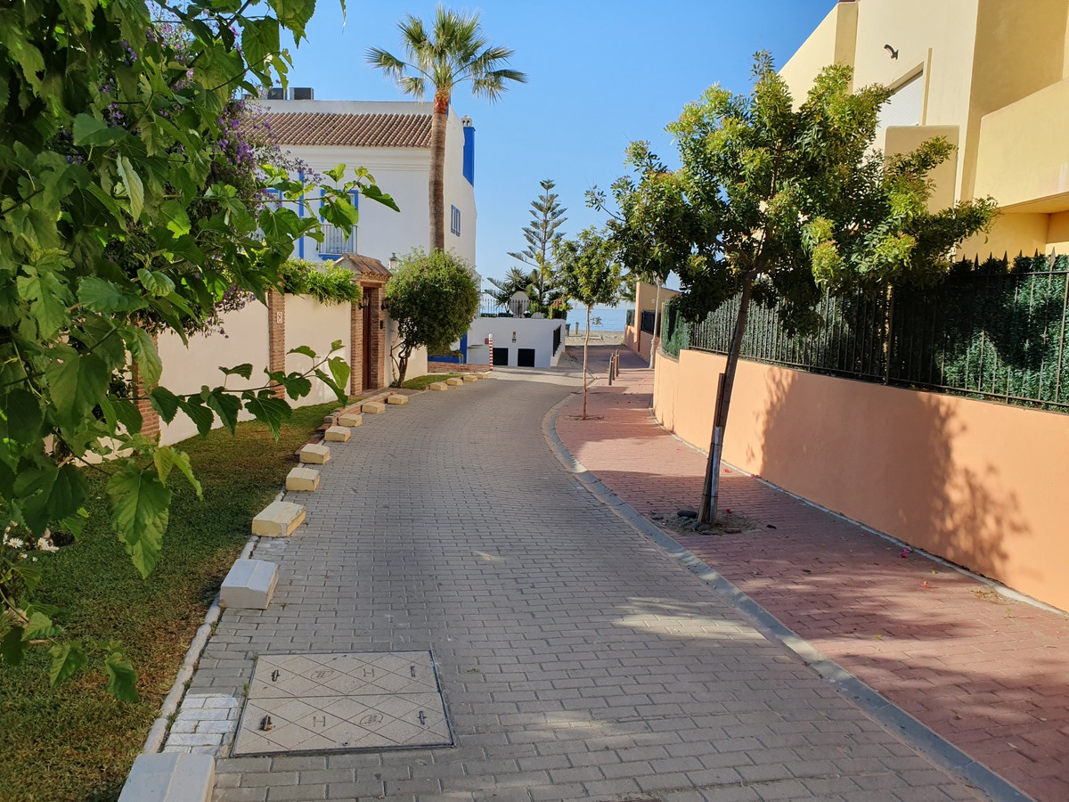 2 Bedroom, 2 Bathroom TOWNHOUSE in EL SALADILLO, on the SECOND LINE BEACH Between ESTEPONA and MARBE, Spain