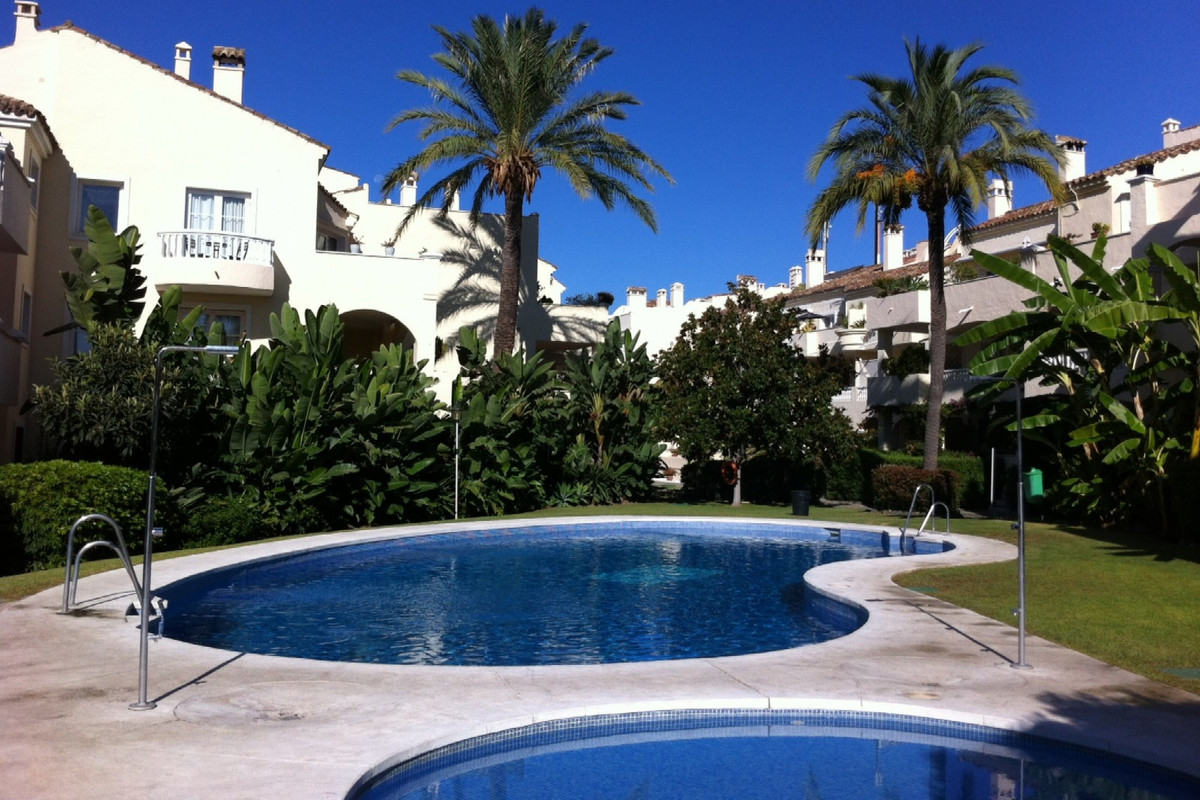 3 Bedroom, 2 Bathroom FIRST FLOOR APARTMENT in LA FUENTE DEL PARAISO - EL PILAR.  Entrance Hall, Lar, Spain
