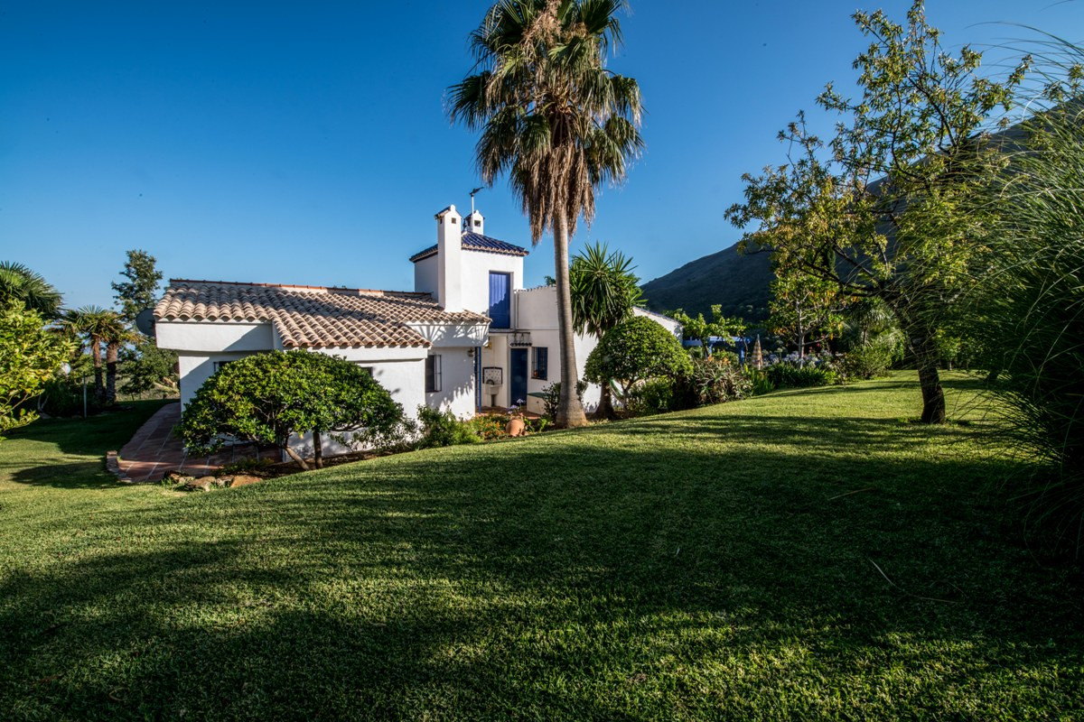 Charming COUNTRY PROPERTY in ESTEPONA, 10 Minutes Drive to the Town, for the Nature Lovers.  PLOT: 1, Spain