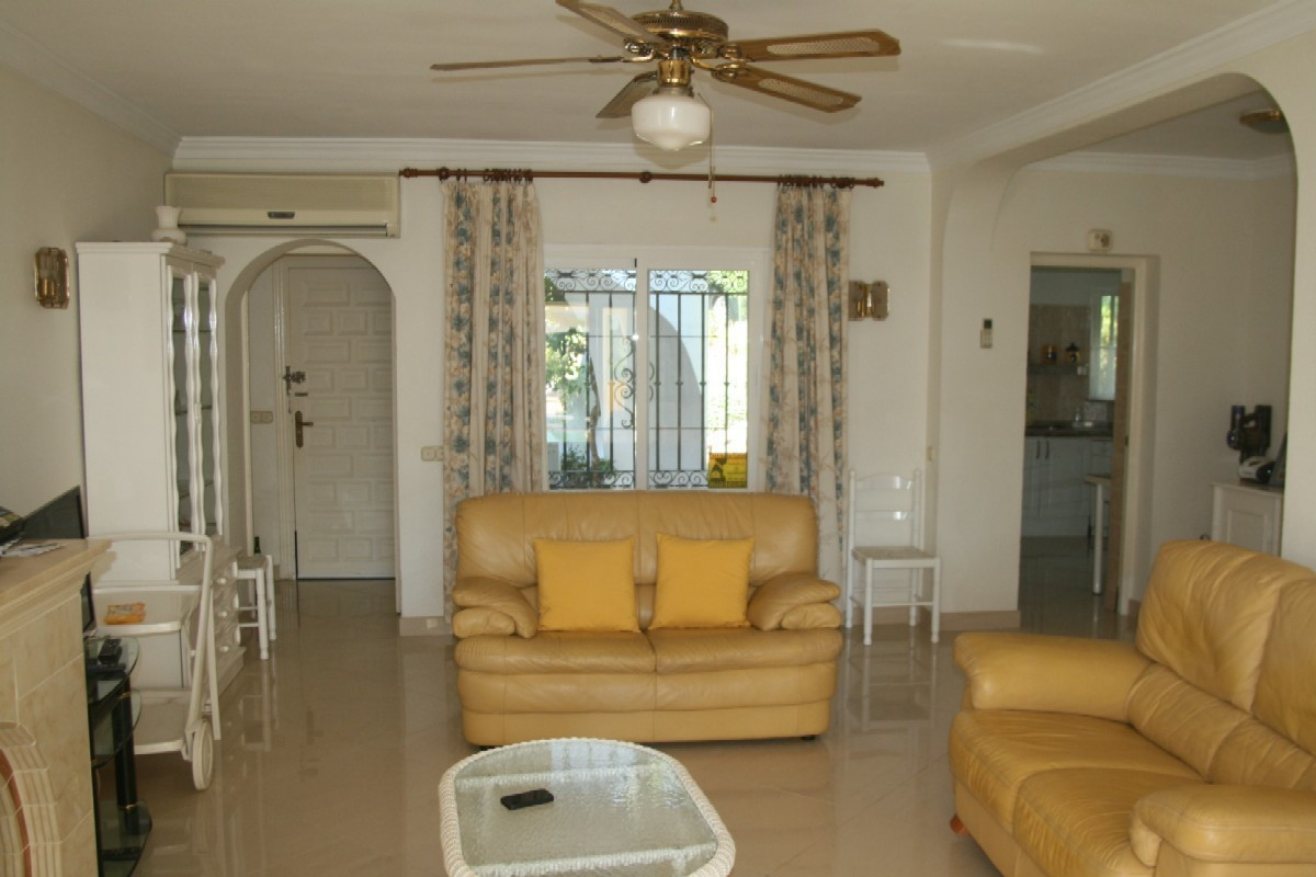 Large 2 Bedroom, 2 Bathroom GROUND FLOOR APARTMENT in PATIO ALCORNOCAL - EL PARAISO, Close to Restau, Spain