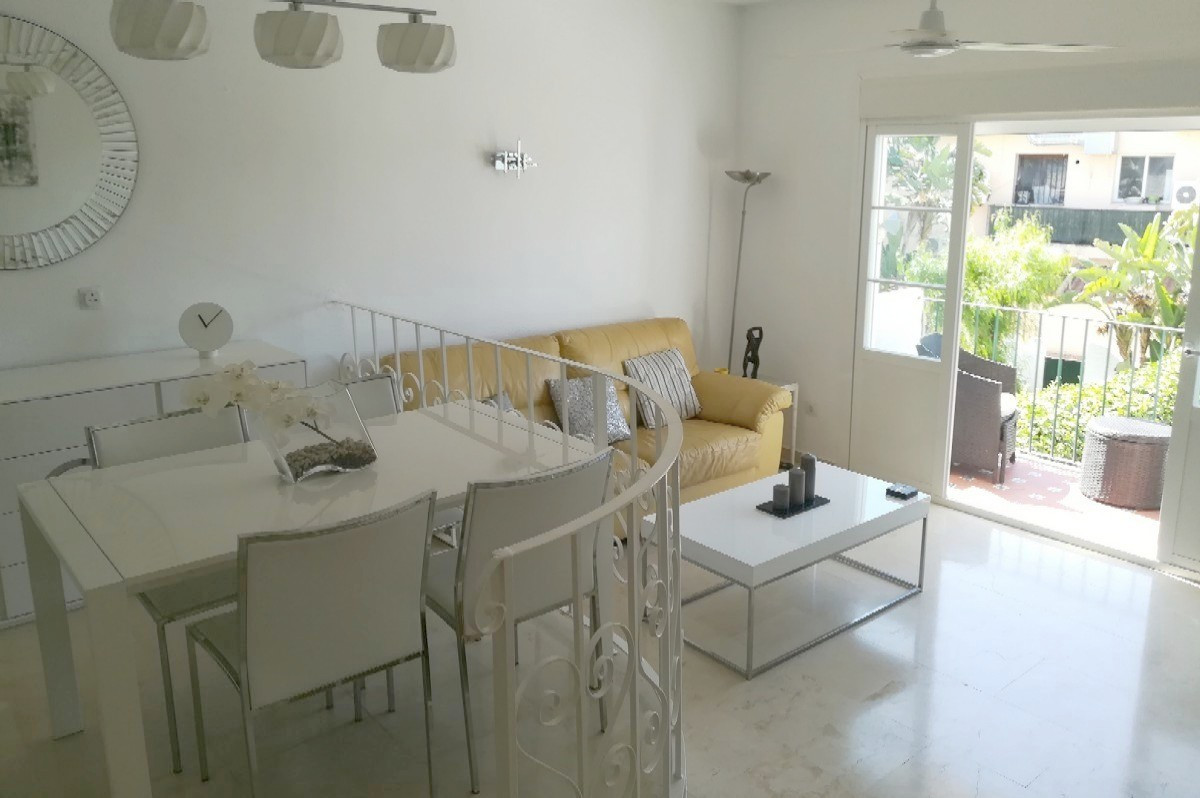 2 Bedroom, 2 Bathroom FIRST FLOOR APARTMENT in BENA VISTA, Close to Restaurants, Bowls and Golf.   E, Spain