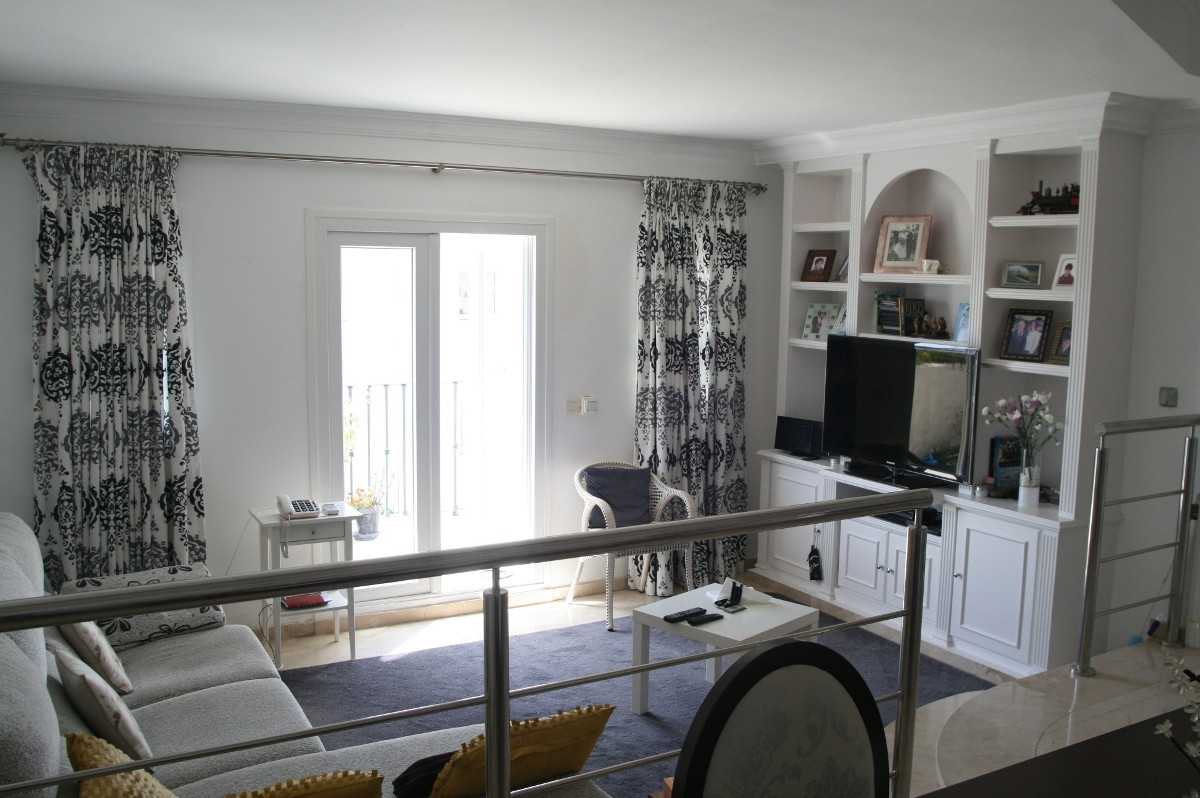 2 Bedroom, 2 Bathroom TOP FLOOR APARTMENT in LAS PALMERAS DE BENA VISTA, Close to Restaurants, Bowls, Spain