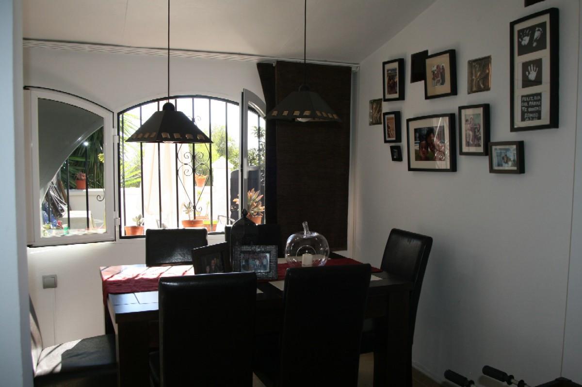 Unifamiliar con 2 Dormitorios en Venta San Luis de Sabinillas