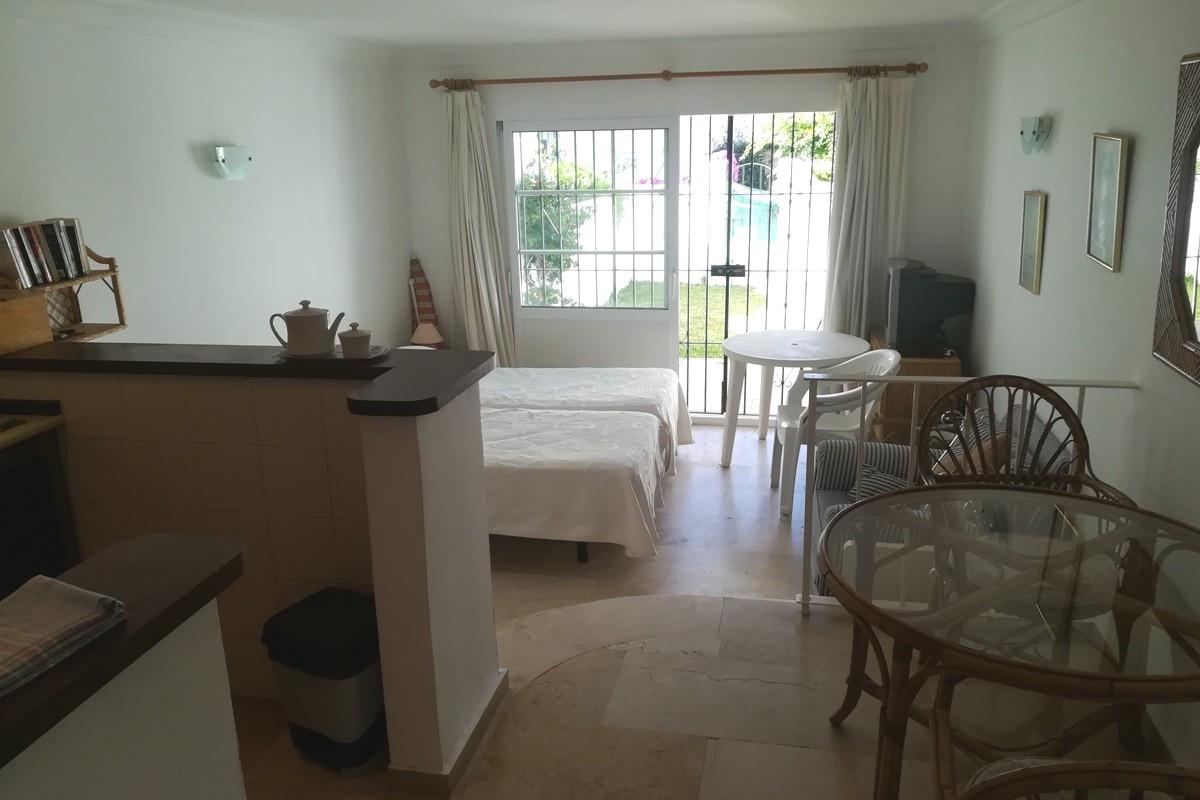 GROUND FLOOR STUDIO in LAS PALMERAS DE BENA VISTA, Close to Restaurants, Bowls and Golf.  Entrance H,Spain