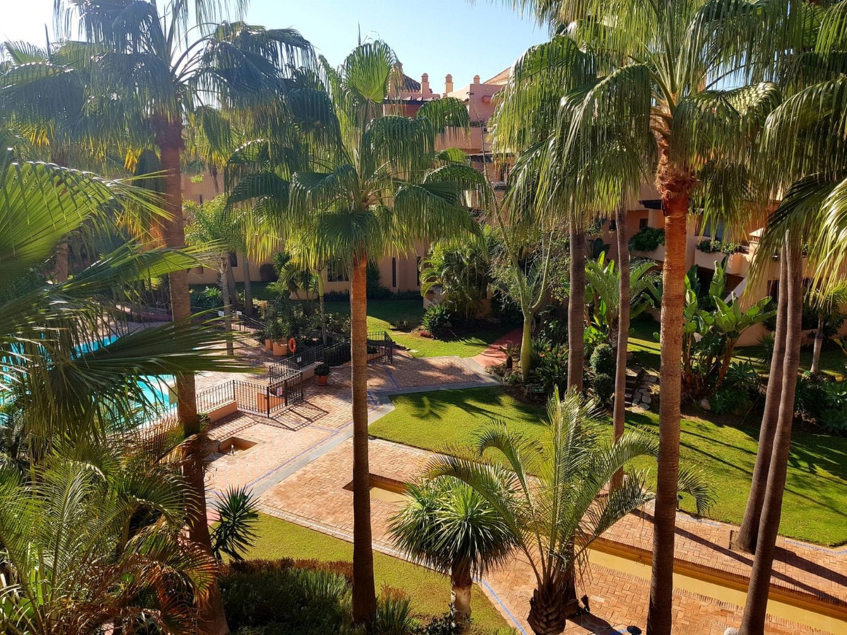 Fantastic Apartment with 2 bedrooms and 2 bathrooms on foot promenade in San Pedro Beach  located in, Spain
