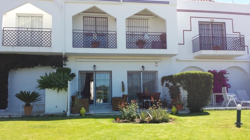 Marbella Banus Adosado en Venta en Nueva Andalucía – R2312270