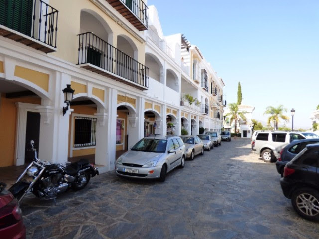 Real deal for investment, we have this fantastic FREEHOLD commercial premises in one of the most fam,Spain