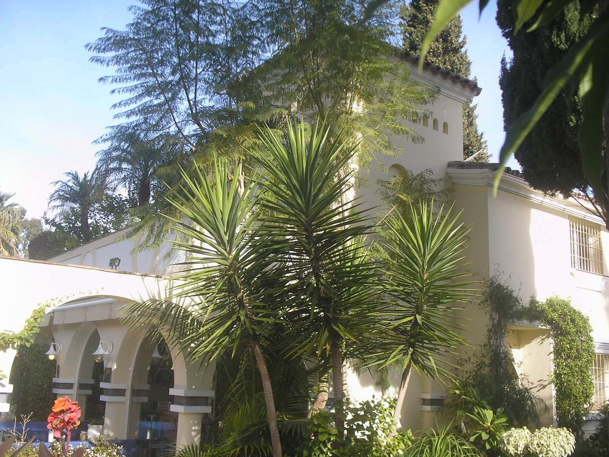 Marbella Banus Villa en Venta en Puerto Banús – R3499957