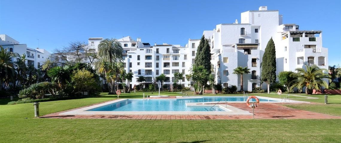 Lovely apartament, very well decorated.  This property is 3 minutes walk from the beach. Set in a re, Spain