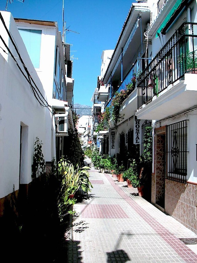 FREEHOLD - GREAT BUSINESS OPPORTUNITY-HOSTEL IN MARBELLA OLD TOWN- SECOND LINE BEACH. Enjoy the anda Spain