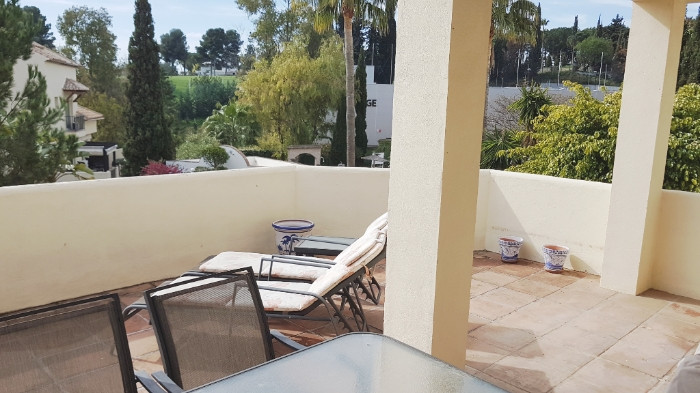 Nice apartment located next to the Aloha Golf Course, and only 3 minutes drive from Puerto Banus. Th, Spain
