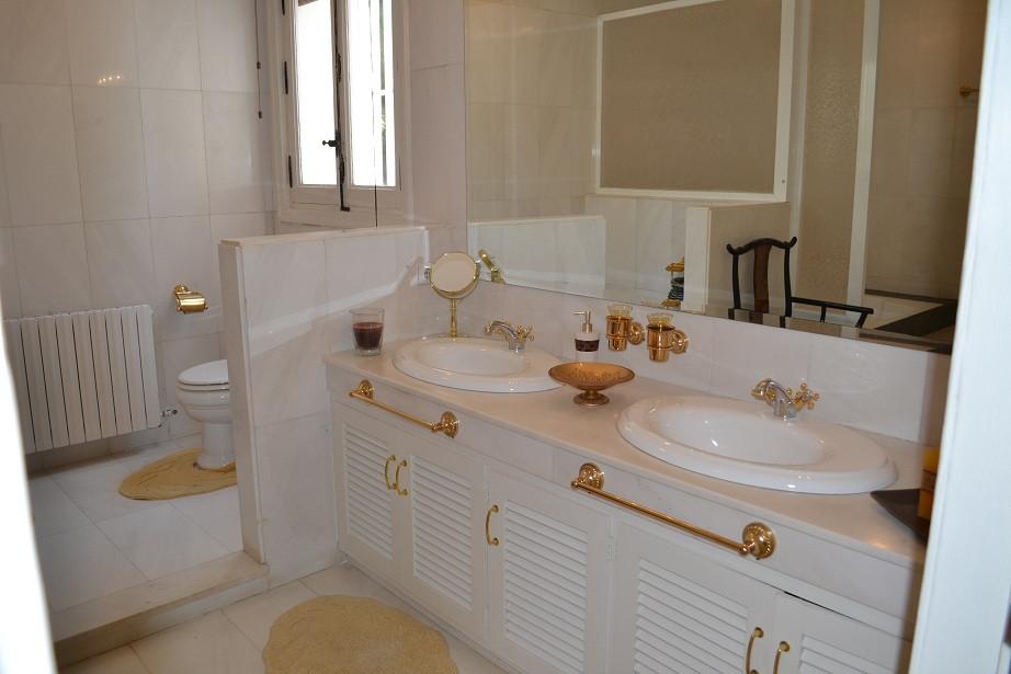 Villa – Chalet en Venta en Río Real – R3106712